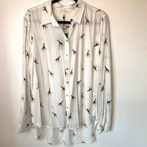 Jane & Delancey Giraffe Printed Button Up Blouse
